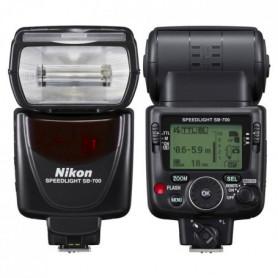 NIKON SB-700 Flash avec zoom motorisé et écran LCD